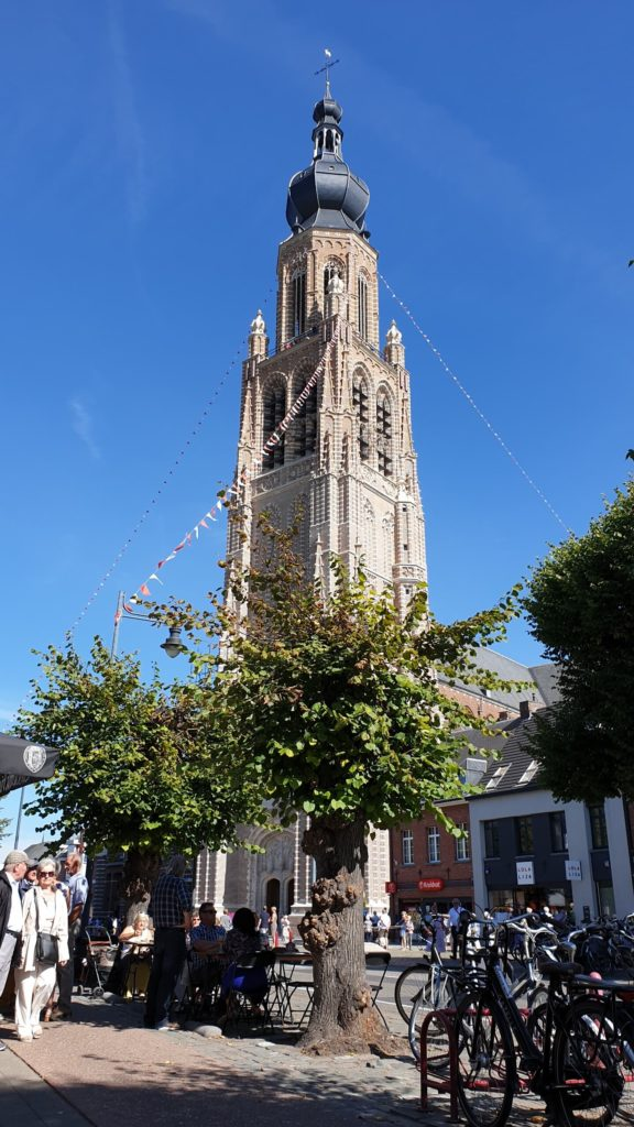 Inhuldiging van de toren van de Sint-Katharinakerk te Hoogstraten